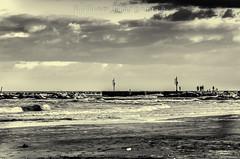 Tramonto--3 (bagno50bellaria) Tags: bw tramonto riva spiaggia bellaria bagno50