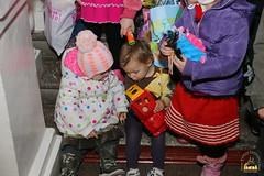 18. Humanitarian assistance for refugees at Svyatogorsk Lavra / Раздача гуманитарной помощи беженцам Лавры