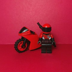 Robin (motosuit) (Vladislav Pavlovich) Tags: lego custom minifigure robin dc moto motorcycle sportbike