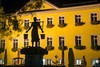 Water of life carried high (OR_U) Tags: 2016 oru germany lowersaxony schã¶ningen marketplace watercarrier watermaid silhouette jethrotull cityhall yellow night shadows