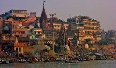 INDIEN, india, Varanasi (Benares) frhmorgends  entlang der Ghats , 14475/7367 (roba66) Tags: indienvaranasibenaresfrhmorgendsentlangderghats varanasibenares indien indiennord asien asia india inde northernindia urlaub reisen travel explore voyages visit tourism roba66 city capital stadt cityscape building architektur architecture arquitetura monument bau fassade faade platz places historie history historic historical geschichte benares varanasi ganges ganga ghat pilgerstadt pilger hindu hindui menschen people indianlife indianscene brauchtum tradition kultur culture indiansequence hinduismus