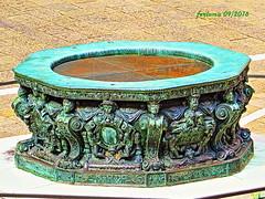 Venecia-32 Embocadura de pozo (ferlomu) Tags: escultura ferlomu italia venecia