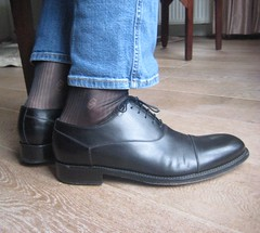 IMG_4625 (Sockbud) Tags: black shoes sheer socks