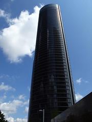 Cuatro Torres business área / Four Towers business area (Rafa Gallegos) Tags: madrid españa spain fourtowersbusinessarea cuatrotorresbusinessarea rascacielos skyscraper edificio building