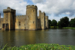 Bodiam Castle (richwat2011) Tags: junejuly2016 eastsussex bodiamcastle castle ruin dismantled robertsbridge bodiam moat quadrangular defensivewalls innercourts towers crenellations 14thcentury gradeilisted scheduledmonument nationaltrust nikon d200 18200mmvr