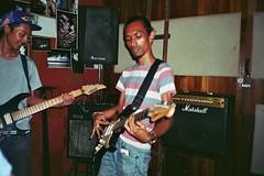 _34_00726 (Lee Sydney) Tags: rumah studio rumahstudio art artstudio penang penanglifestyle penangisland penangmalaysia sliz sattama basking jamming music guitar friends