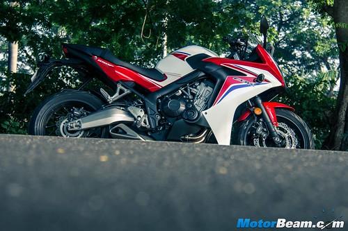 2015-Honda-CBR650R-10