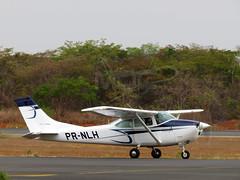 Cessna Skyline 182 PR-NLH (Aeroporto de Montes Claros / Montes Claros Airport) Tags: skyline de mario aeroporto ao ribeiro cessna spotting vivo montes 182 moc spotter claros sbmk prnlh