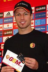 Lucas Neill (l3o_) Tags: galatasaray sar krmz red yellow football futbol lucas neill