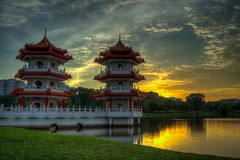 Chinese Garden_Twin Pagoda (yewhoegoh) Tags: red chinesegarden pagoda twin sunset lake pond pentax k5ii limited lens