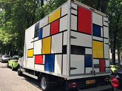 Sighted in Rotterdam Noord (Joey Johannsen) Tags: vehicle mondoraan truckwithmondrianpainting truck artonatruck pietmondrian rotterdam nederland parked