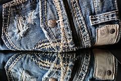 Topstitch ( Macro Mondays ) (francepar95) Tags: stitchemacromondays denim coutute pantalon jeans surpiqure bouton fil pants sewing mode vtement cloth thread button topstitch stitches hmm macro tissu fabric