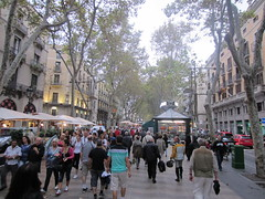 "Paseo de las Ramblas de Barcelona • <a style=""font-size:0.8em;"" href=""http://www.flickr.com/photos/78328875@N05/23252821136/"" target=""_blank"">View on Flickr</a>"