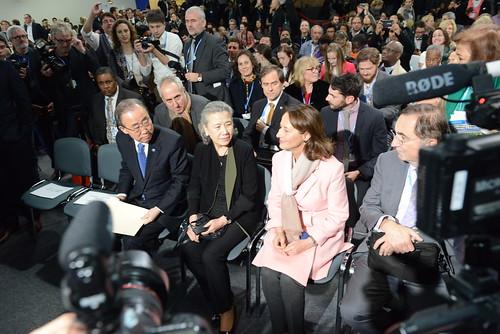 """BAN KI -MOON et Ségolène ROYAL lors de la remise des prix """"élan pour le changement"""""""