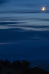 P9040420 2048 (Dirk Buse) Tags: acquavivapicena marche italien ita nacht mond atmosphre italia italy marken natur himmel sky moon night langzeit olympus omd em1 zuiko mft 43