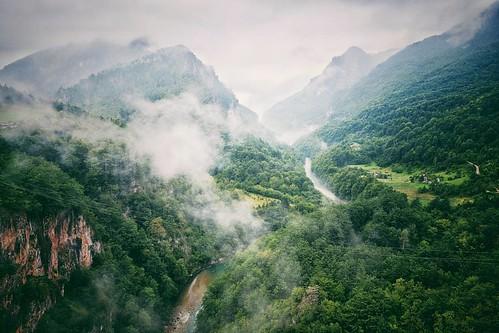 Durmitor National Park, Montenegro  #nationalpark #nationalparklife #natgeo #ig_worldclub #insta_montenegro #montenegro #ig_travel #ig_montenegro #nature #silence #mountains #clouds #vsco #rsa_vsco #travel #hiking #fujifilm #fujix #fuji_xseries #fujixpro2
