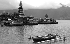 Pura Ulun Danu Bratan (Larterman) Tags: bali travelphotography travel indonesia seasia south east asia asian pura ulun danu bratan temple lake