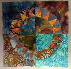 Wip - Naja - mein erster New York Beauty Block (Sockenhummel) Tags: patchwork nyb newyorkbeauty quilt nhen batik