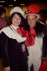 DSC_0035 (Randsom) Tags: alamocitycomiccon sanantonio texas october 2016 cosplay costume halloween fun colorful convention comicbook drseuss catinhat couple matchingcostumes bow tophat cat feline