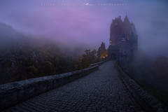 ● eltz castle ● germany ● (Oliver Jerneizig) Tags: oliverjerneizig oliverjerneizigde wwwoliverjerneizigde germany deutschland duitsland allemagne germania sunset longexposure night citylights landscape landschaft canon 6d canon6d eltz burg castle mosel moselle neben fog blauestunde blau sonnanaufgang sunrise