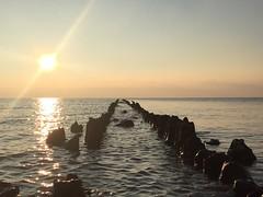 Hindeloopen (Wichert van Gelder) Tags: hindeloopen reflectie water iphone6 iphone ijsselmeer pier zonsondergang