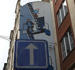 Up the arrow (dn & wp) Tags: bruxellessaintjossetennoode bruxellescapitale belgium be tintin haddock milou