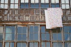 _DSC8422 (adrizufe) Tags: durango fachadas ventanas windows colada durangaldea aplusphoto adrizufe adrianzubia basquecountry bizkaia d7000 nikon nikonstunninggallery ngc urban otoo autumn