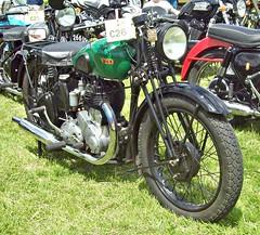 294 BSA M20 (1943) (698 MHX) (robertknight16) Tags: bsa british 1940s m20 military motorcycle motorbile bike luton 698mhx