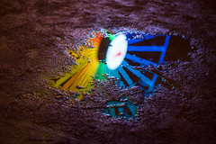 Arc en ciel nocturne (mildiou) Tags: 20161123 lyon automne 2016 bellecour granderoue wheel ferriswheel water night nuit eau flaque puddle france