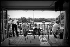 Aubeterre-sur-Dronne (F) - 2015/09/11 (Geert Haelterman) Tags: blackandwhite white black france monochrome nikon candid streetphotography zwart wit geert photoderue d90 straatfotografie photographiederue aubeterresurdronne fotografadecalle fotografiadistrada haelterman