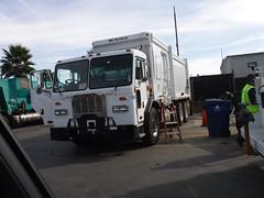 Demo- City of Los Angeles Peterbilt McNeilus ZR (WesternWasteManagement) Tags: west valley mcneilus zr peterbilt city los angeles garbage refuse truck westernwastemanagement