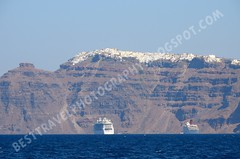 Fira sobre el acantilado, Santorini (Travel around Spain) Tags: santorini grecia akrotiri cruceros acantilados mar mediterraneo