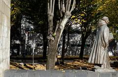 _DSC8447 (adrizufe) Tags: durango ezkurdi frayjuandezumarraga parque durangaldea duranguesado bizkaia basquecountry otoo udazkena autumn aplusphoto adrizufe adrianzubia d7000 nikon nikonstunninggallery ngc walking