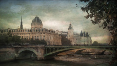 Pont Notre Dame (jeanfenechpictures) Tags: paris france french pont bridge notredame conciergerie seine fleuve eau water saintechapelle europe iledefrance iledelacit palaisdejustice tribunal courthouse court rivedroite rightbank bank rive arche arch 4tharrondissement notredamebridge exterieur architecture histoire history texture romantic romantique