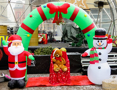 Advent in Zagreb (Adnan T.) Tags: zagreb advent outdoor winter christmas newyear photography photo photographer capture shot cool contrast gifts santa santaclaus year teddy