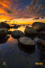 Anger .... (Jose Hamra Images) Tags: samudraindah beach water sea seascape landscape longexposure sunset sunrise indonesia kalimantan kalbar kalimantanbarat