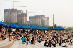 Hangang Fashion Show (Seoul Korea) Tags: city asian photo asia capital korea korean photograph seoul kr southkorea hanriver   kpop  republicofkorea banpo canoneos6d flickrseoul sigma2470mmf28exdghsm somesevit