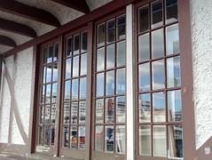 Untitled  ** Explored ** (boeckli) Tags: windows newzealand brown reflection building window architecture outdoor fenster auckland architektur braun spiegelung gebäude dwwg windowwednesdays