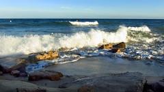 Delta Tordera. Malgrat. (elisabet_sans) Tags: costa mar playa paisaje ona roca ola platja airelibre airelliure orilladelmar deltatordera