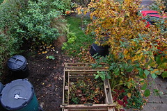 Looking Down on the Front Garden - November 2015 (basswulf) Tags: uk england unmodified lenstagged oxford compost pallets 32 1855mmf3556g frontgarden compostbin waterbutt d40 3008x2000 permissions:licence=c image:ratio=32 201511 normcres lookingdownonthegarden 20151103