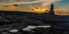 Le soleil se lve sur Kerroch .... (Explore) (RVBO) Tags: sunset sea brittany bretagne breizh morbihan phare bzh ocan canon7d
