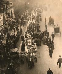 Church League for Women's Suffrage procession, c.1909-1914.