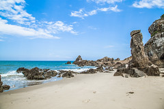 Bi  Nhy - Qung Bnh - Vit Nam (Na Co) Tags: vietnam beach vietnamesebeach baidanhay quangbinh bluesky blue sky cloud whitecloud amazing amazingview stone
