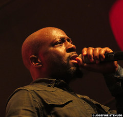 20150528_31 Wyclef Jean at Liseberg, Gothenburg, Sweden (ratexla) Tags: wyclefjean 28may2015 2015 canonpowershotsx50hs concert music live gig show tour hiphop reggae soul rb person people human humans man men guy guys homosapiens dude dudes artist artists performance liseberg storascenen gteborg goteborg gothenburg sweden sverige scandinavia scandinavian europe entertainment popstar celeb celebs celebrity celebrities famous musik konsert earth tellus life organism photophotospicturepicturesimageimagesfotofotonbildbilder norden nordiccountries wyclef