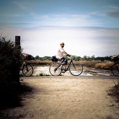 Bike in l'le de R (Zeeyolq Photography) Tags: bike holidays larochelle man vlos leder vlos leder lesportesenr aquitainelimousinpoitoucharen france aquitainelimousinpoitoucharentes