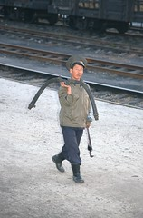 A new break hose (Frühtau) Tags: dprk north korea railway eisenbahn stuff break hose bremsschlach eisenbahner station personal man ground korean people leute asia asian east nordkorea scenery 朝鲜 朝鮮 cháoxiān 地 outdoor корея северная كوريا الشمالية 北朝鮮 corea del norte corée du nord coreia do coréia เกาหลีเหนือ βόρεια κορέα culture scene szene personen einfarbig worker