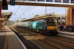 Cats on the  GE! (Chris Baines) Tags: drs 68004 service norwich colchester short set