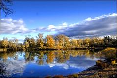 Un lac en automne (nicphor) Tags: paysages lac eau wtaer wasser rhne jonage automne herbst canon eos350d nature