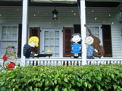 another view of peanuts house (fries in a cone) Tags: charliebrown schroeder piano lucy keywest florida outdoors christmas house decorations pigpen linus woodstock