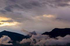 4:50 Uhr, Ein Regentag beginnt (thunderbird-72) Tags: morgenlicht morgen mai dolomites nikond7100 sdtirol wolken alps altoadige mountains berge italien dolomiten frhling alpen clouds longomoso trentinoaltoadige it